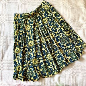 LULAROE BLUE AND YELLOW PATTERNED MIDI SKIRT!!!